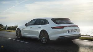 porsche-panamera-turbo-s-e-hybrid-sport-turismo-2017-2