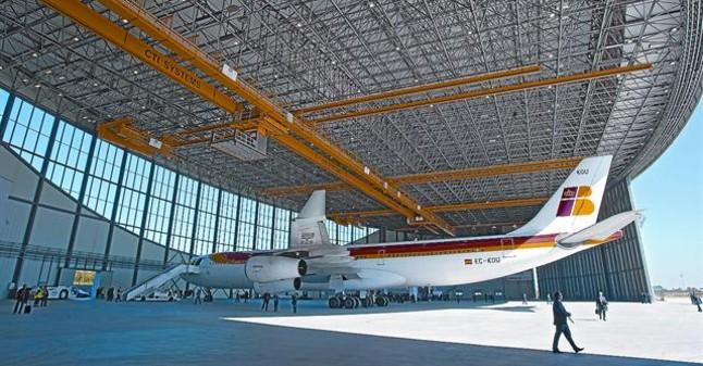 Iberia y El Prat se reconcilian con la inauguraci�n del nuevo hangar