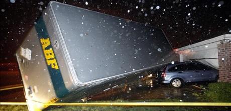 Los tornados en Tejas causan seis muertos y 14 desaparecidos