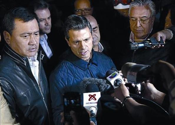Duras cr�ticas a Pe�a por irse de puente tras la tragedia de Pemex
