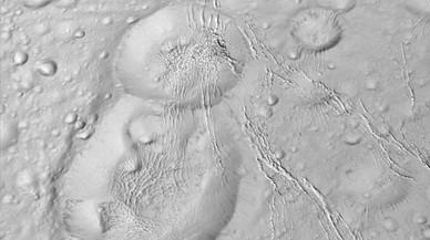 La NASA descubre que una luna de Saturno puede albergar vida