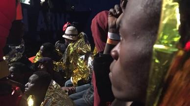 Uns 200 immigrants es donen per desapareguts a l'enfonsar-se dues barques davant de Líbia