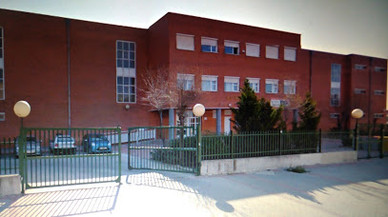 Una menor apuñala a un compañero de clase en un instituto en Madrid