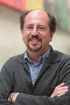 José Luis Orihuela, profesor, consultor y escritor