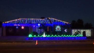Els llums de Nadal d'aquesta casa brillen a ritme d'AC/DC