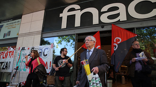 Cap escriptor va a firmar llibres a la Fnac per la vaga de treballadors