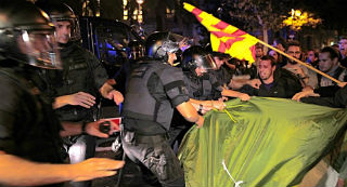 El Gobierno blinda sus sedes con polic�as y mossos