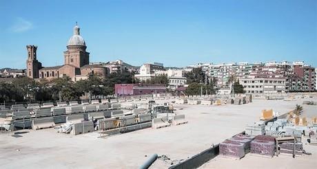 Obras paradas en el caj�n de las v�as que integrar� la nueva Sant Andreu Comtal.