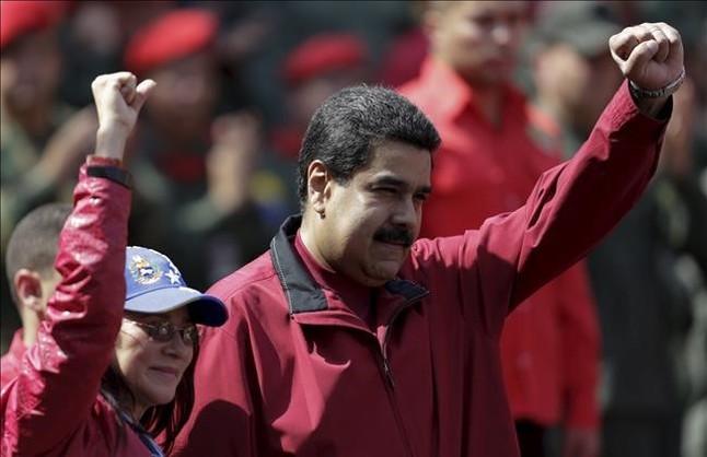 Nicolás Maduro con su esposa en Caracas