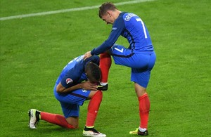 jmexposito34562193 france s forward antoine griezmann s r shoe is kissed by f160703230348