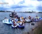 1.500 estadounidenses�llegan ilegalmente a Canad� tras una fiesta en el r�o.