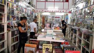Interior de la tienda de cómic y fantasía Gigamesh, en Barcelona.