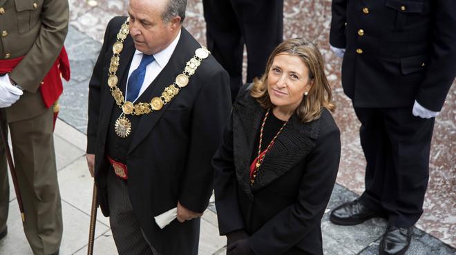 Dimiteixen l'alcalde de Granada i el seu regidor d'Urbanisme, esquitxats per corrupció
