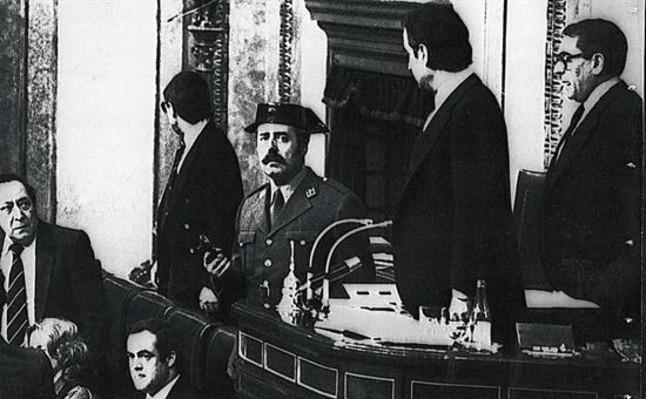 El Rey sab�a que se iba a producir el golpe del 23-F, seg�n unas supuestas memorias de Fern�ndez Campo