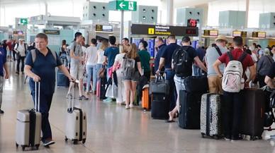 Las aerolíneas calculan España ha perdido 4.700 millones por la huelga de controladores