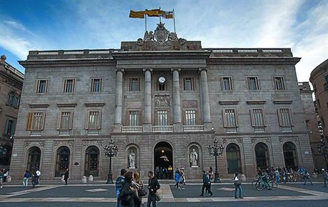 Fachada del Ayuntamiento de Barcelona, en la plaza de Sant Jaume.