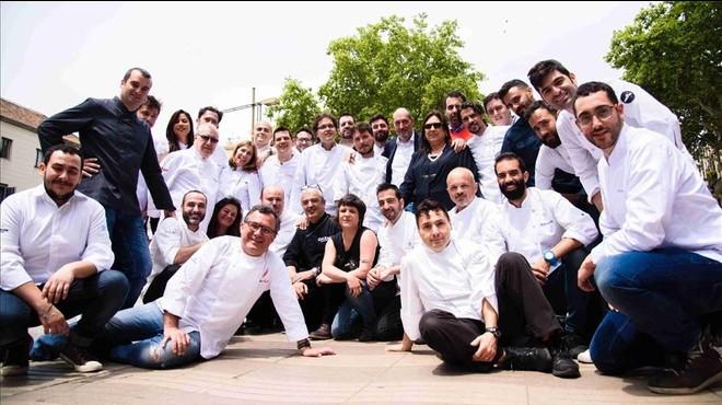 Chefs y organizadores, junto a la concejala Gala Pin, en el centro.