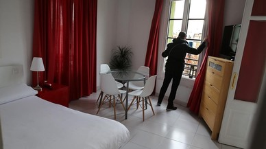 L'extinció dels pisos turístics a Ciutat Vella amenaça amb centenars de demandes a BCN