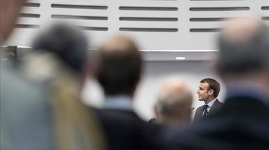 Macron defiende su nueva ley antiterrorista para proteger a los franceses