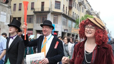 El Partido del Perro con Dos Colas se mofa de Orban con una manifestación en Budapest