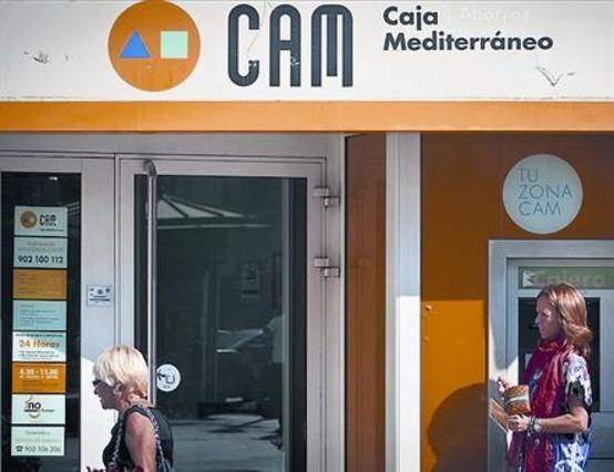 Los grandes bancos espa oles renuncian a pujar por la cam for Sabadell cam oficinas
