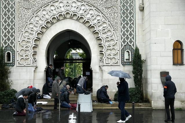 Resultado de imagen de fotos de mezquitas en Francia