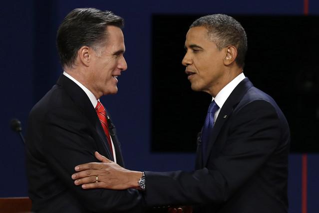 A Romney le salen bien hasta las bromas