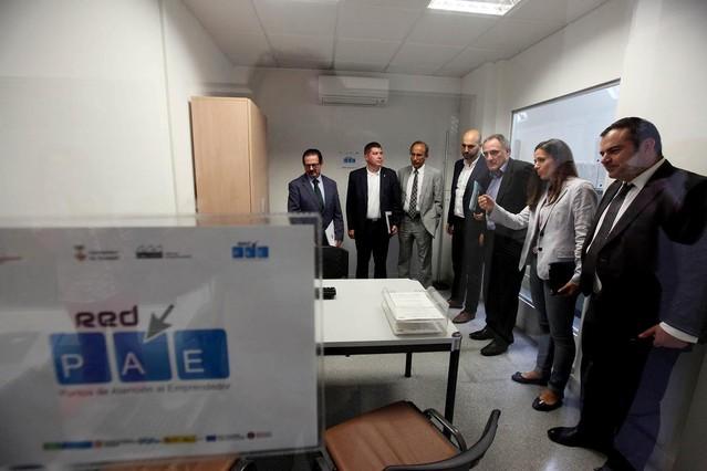 Sabadell facilita los tr mites para crear un negocio en 48 for Oficina trafico sabadell