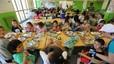 L'escola s'erigeix en el primer dic per evitar la fam infantil