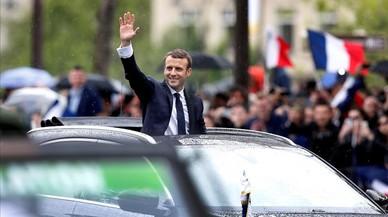 Macron pateix la caiguda més important d'un president al principi de mandat de les dues últimes dècades