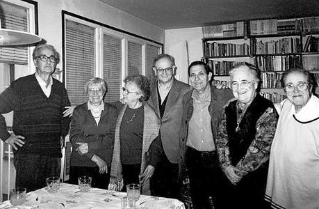 Abans 8 Els set fundadors de Rosa Sensat (Lluch, Codina, Roig, Cots, Darder, Mata i Canals), el 2001.