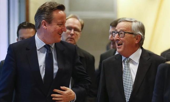 Jean-Claude Juncker con David Cameron en Bruselas.