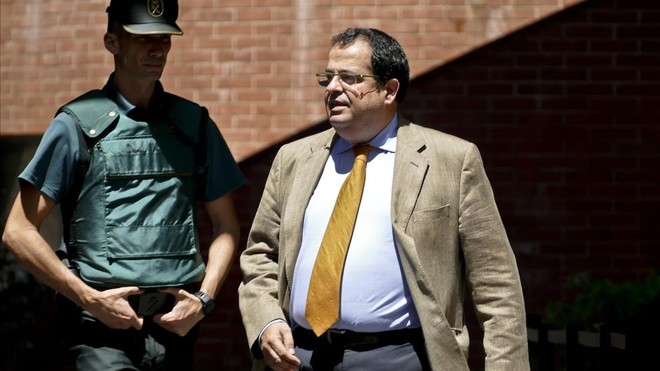 fsendra39466696 barcelona 27 07 17 joan ignasi elena sale de declarar de l170727153751