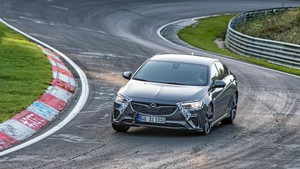 Nuevo Opel Insignia GSi