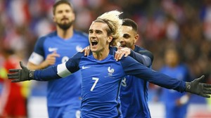 eprozas40892350 france s antoine griezmann celebrates after scoring his side171121181412