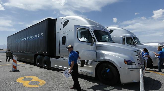 EUA estrena els camions sense conductor
