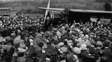 Una foto indica que l'aviadora Amelia Earhart no hauria mort en l'accident del seu últim vol