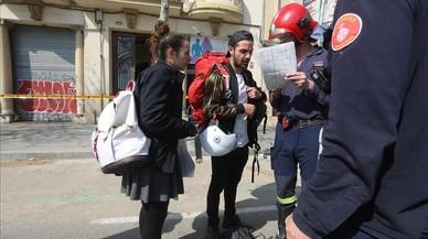 Desallotjats tres edificis al Poblenou per l'aparició d'unes esquerdes