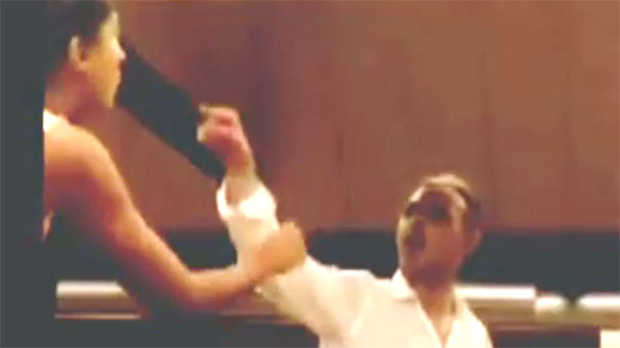 Los viajeros del Metro de Madrid expulsan a un nazi tras increpar a un matrimonio marroquí