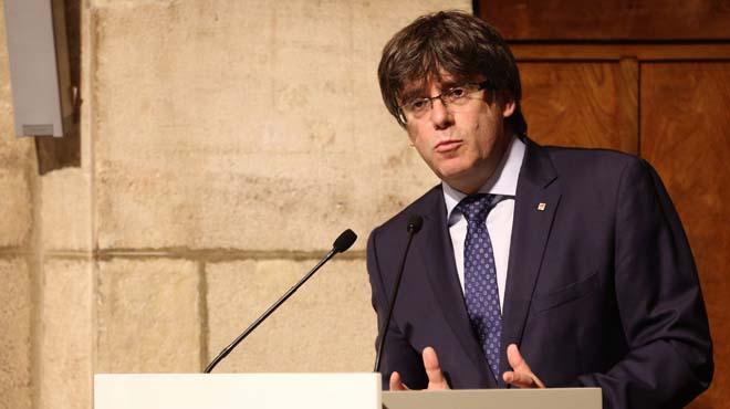 """Puigdemont fa una crida a """"persistir"""" en els objectius de Catalunya."""