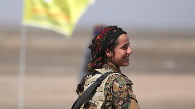 Rebeldes sirios apoyados por EEUU expulsan al Estado Islámico de una base aérea junto a Raqqa