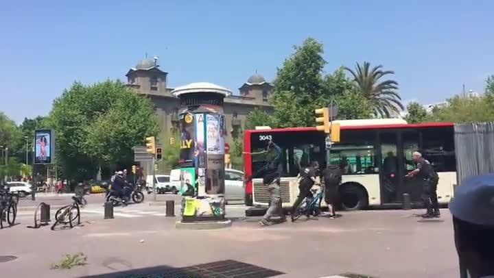 Agressi� d'un manter a un gu�rdia urb� de Barcelona.