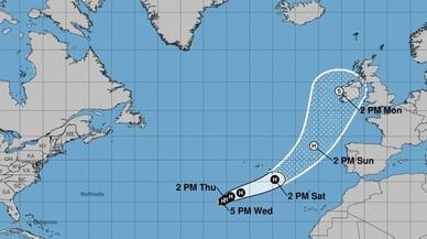 'Ophelia' es converteix en huracà i es dirigeix a Irlanda