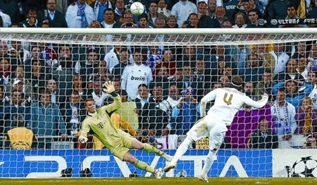 Sergio Ramos en el momento del lanzamiento