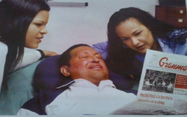 primer fotos de Hugo Chavez junto a sus hijas