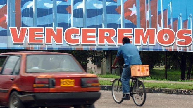 Optimismo en las calles de La Habana, ante el final del bloqueo.