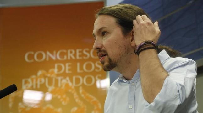 Pablo Iglesias comparece en rueda de prensa en el Congreso este martes.