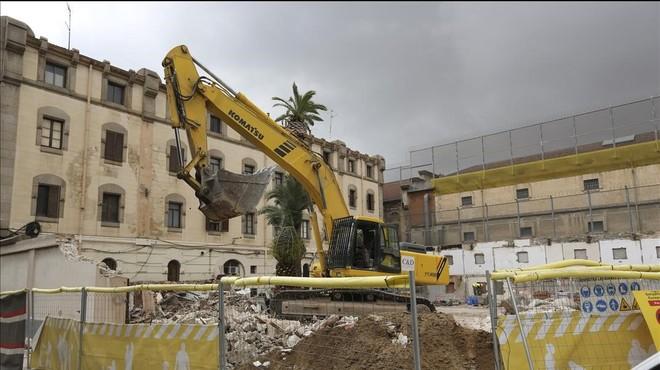 La Generalitat insta Colau a cedir els terrenys per a la presó de la Zona Franca