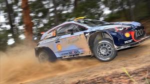 El noruego Andreas Mikkelssen lidera con fuerza el Rally de Australia