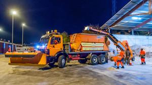 Máquina quitanieves utilizada en el operativo de limpieza de autopistas